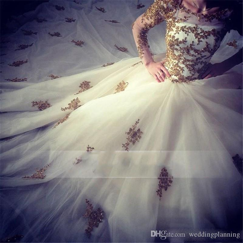 Luxury Lace Long Sleeve Ball Gown Wedding Dresses Gold White Design Sexy Beaded Muslim Saudi Arabia Wedding Gowns