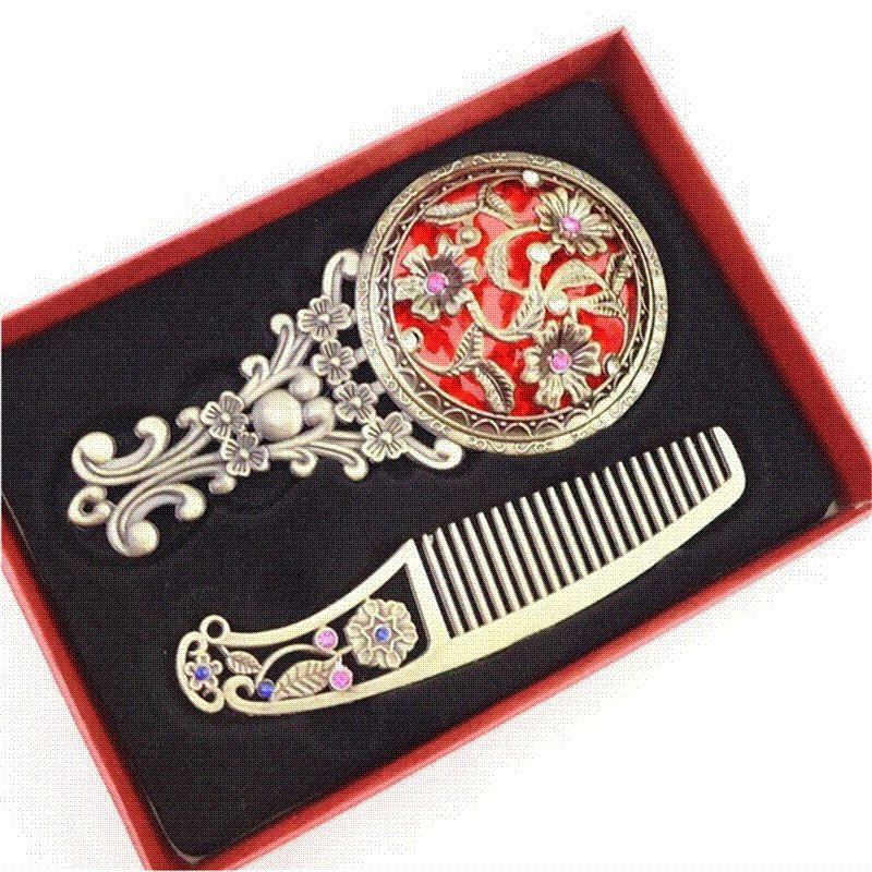 New Women Chic Retro Vintage Pocket Mirror Compact Makeup