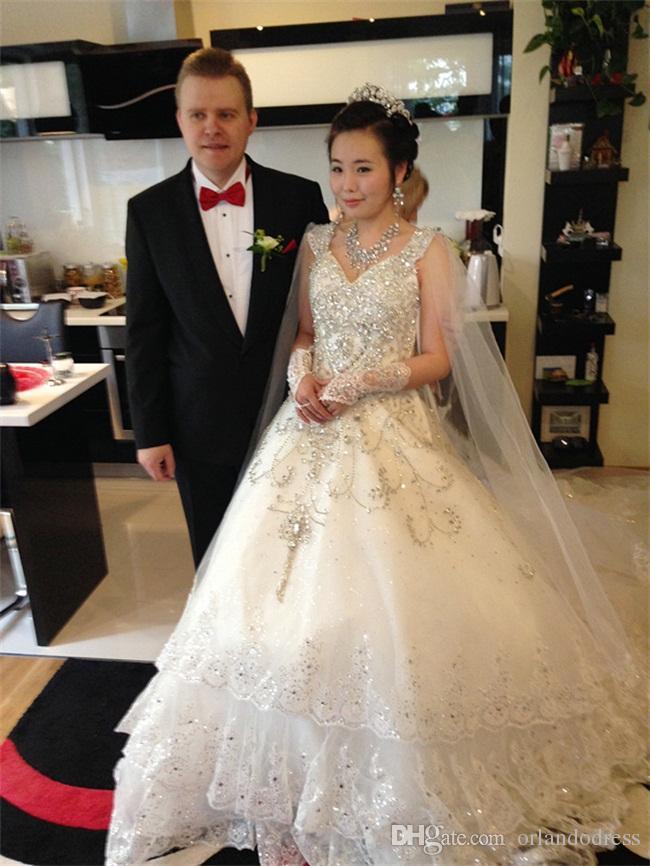 Brand New Beads Luvas De Noiva com Rendas Até Romântico Princesa Luvas de Casamento para o Vestido de Noiva Elegante Marfim Branco Vermelho Acessórios de Noiva