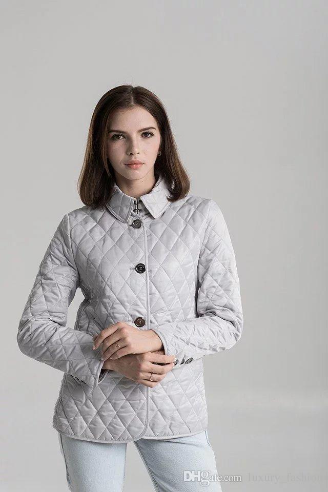 Kadınların boyut S-XXL # 19010 ücretsiz gönderim için sıcak Klasik! kadınlar moda ingiltere kısa ince pamuklu yastıklı ceket / yüksek kaliteli marka tasarımcısı ceket