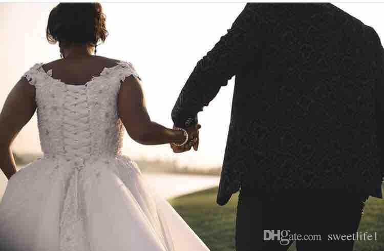 2019 Custom Made Princess Ball Gown Wedding Dresses Off The Shoulder Lace Appliques African Style Lace Up Bridal Gown Hot Sale