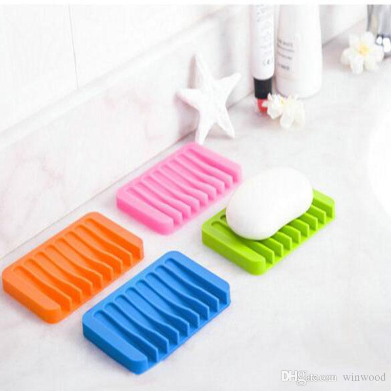 Cute cartoon silicone soap box can drop soap holder dish for Cute bathroom accessories