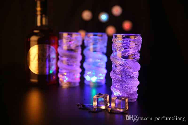 Creative Colorful LED Light Flash Beer Juice Drink Cup Dragon Decoration Luminous Cup Bar Supplies Party/Clubs Drinkware ZA3640