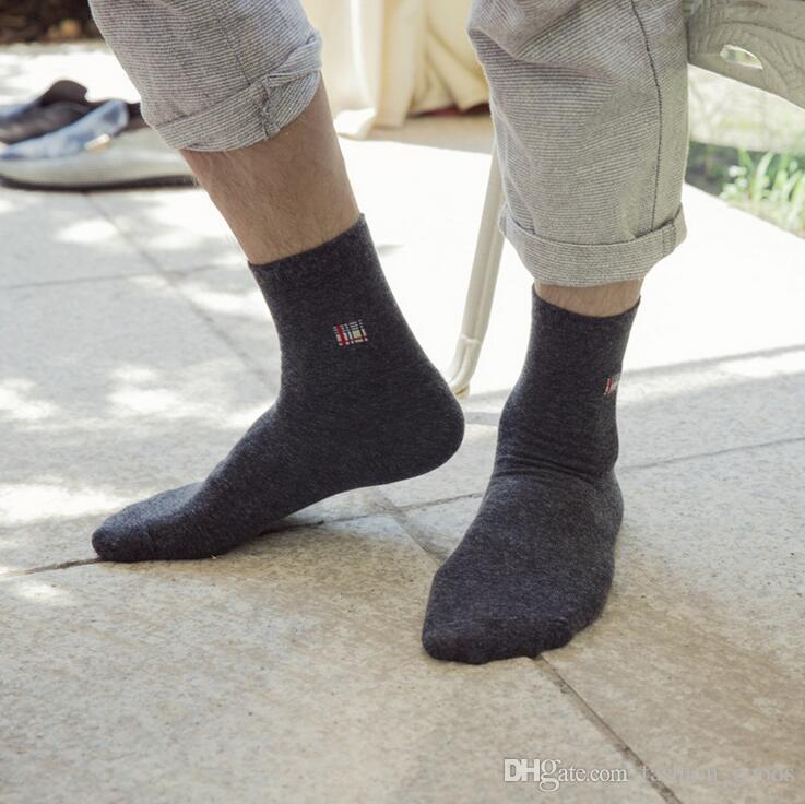 Good A++ Cotton in the solid color deodorant business men socks NW011