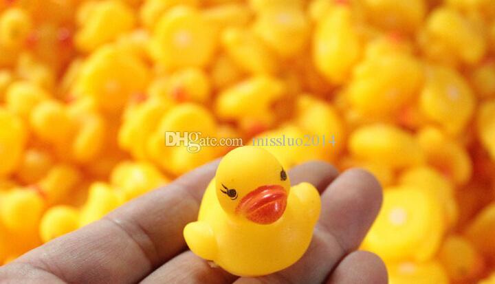 Baby Bath Water Toy toys Sounds Mini Yellow Rubber Ducks Kids Bathe Children Swiming Beach Gifts DHL FEDEX