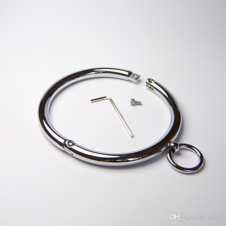 Top qualité alliage verrouillable collier de cou en métal + clé hexagonale de retenue Bondage Lock Tour de cou Collier O-anneaux SM jeu
