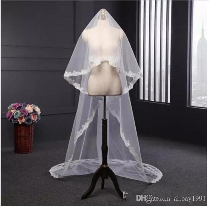 I nuovi veli da sposa economici Due strati bianco o avorio con bordi da sposa a bordo di appliques In magazzino con pettine 300 * 150 cm