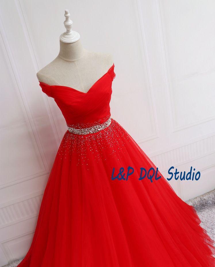 Splendido abito da ballo rosso abiti da ballo Off spalla Lace-up posteriore Lungo abito da sera pieghe Tulle Sweep treno perline paillettes lungo la vita