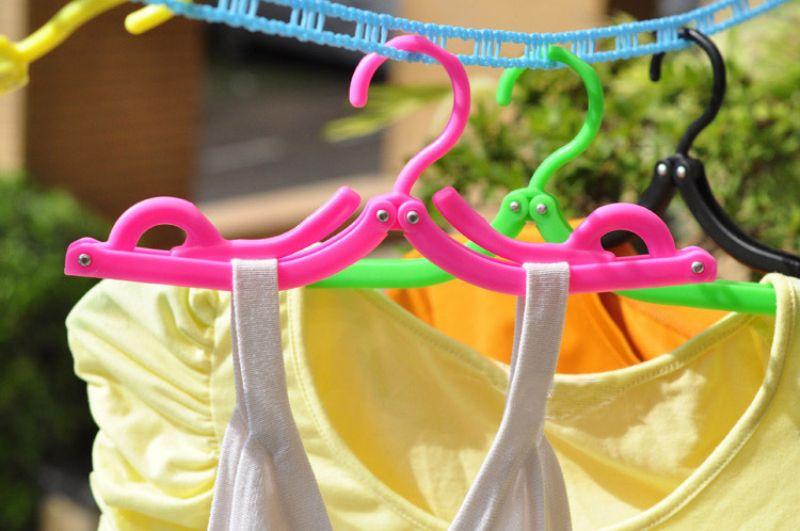 Portbale Foldable Clothes Hanger Colorful Folding Plastic Cloth Hangers for Travel Home Closet Saving Space Multi-Function Travel Racks