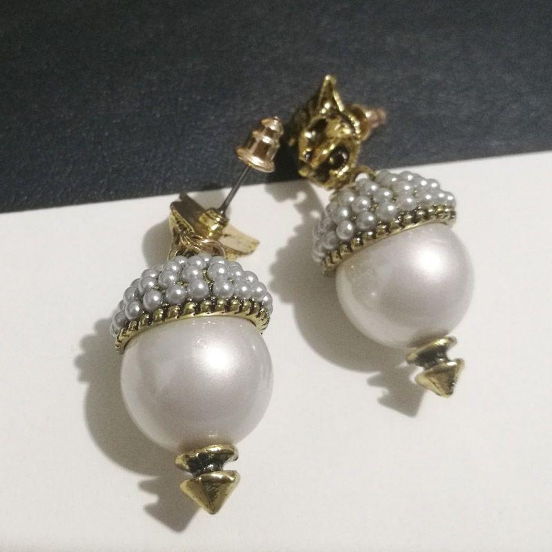 Nueva marca Vintage Pearl Leopard Stud Pendientes para mujeres Joyería de moda Pendiente de metal Pendiente Antiguo Gold Brincos Female Bijoux