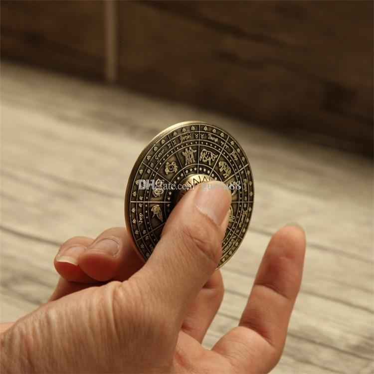 Neueste ägyptischen Sternzeichen UFO Hand Spinner Zink-Legierung Fliegende Untertasse Zappeln Spinner EDC Spielzeug Dekompression Finger Gyro Spielzeug mit CE-Zertifikat