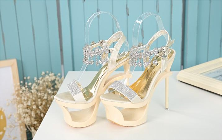 Hot Selling Glitter Wedding Shoes Crystals Beads Pumps High Heels Bridal Dhl Cheap Uk Coloured From Wedfavors