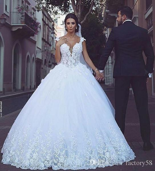2018 Vintage Elegant White Tulle V Neck Ball Gown Sweep Train ...