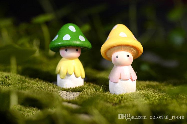 Kawaii mini mushrooms dolls fairy garden miniatures gnome moss terrarium decor resin crafts bonsai home decor for zakka