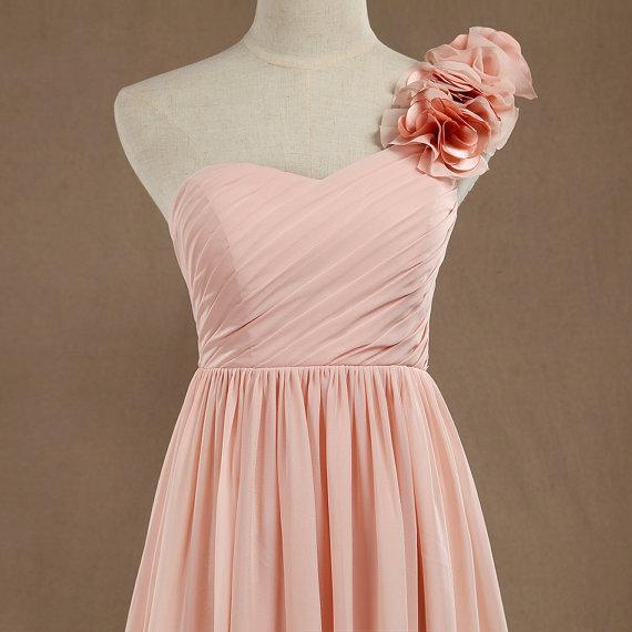Blush une épaule robe de demoiselle d'honneur main fleur robe de soirée longue robe de cocktail en mousseline de soie femmes une ligne robe de bal longueur de plancher