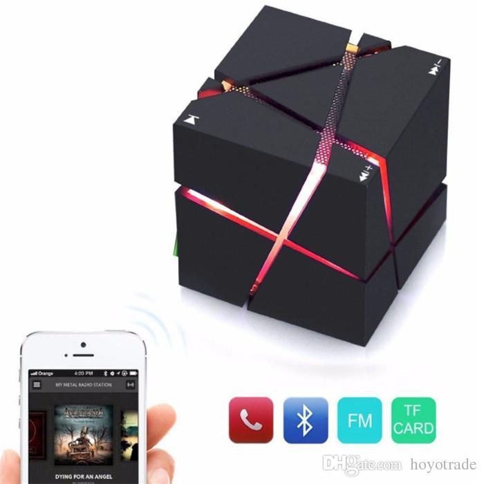 Novo Baixo Cube DIODO EMISSOR de Luz de Alto-falante Bluetooth Mini Portátil Sem Fio Fino Handsfree Speakers Com LED Com FM Cartão TF luzes venda quente