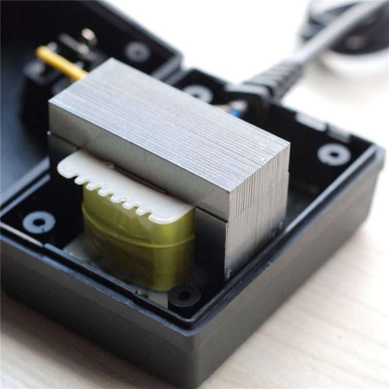 Fuente de alimentación del transformador para computadoras portátiles / cámaras / teléfonos 220V-110V Convertidor de voltaje descendente 200W Adaptador de viaje internacional Enchufe de la UE