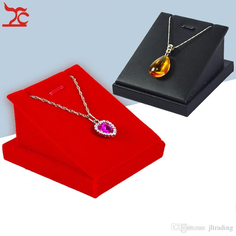 Classic Cute Jewelry Display Stand Black Leather Necklace Earring Stud Organizer Red Velvet Pendant Stand Holder Storage 7*8*5 cm