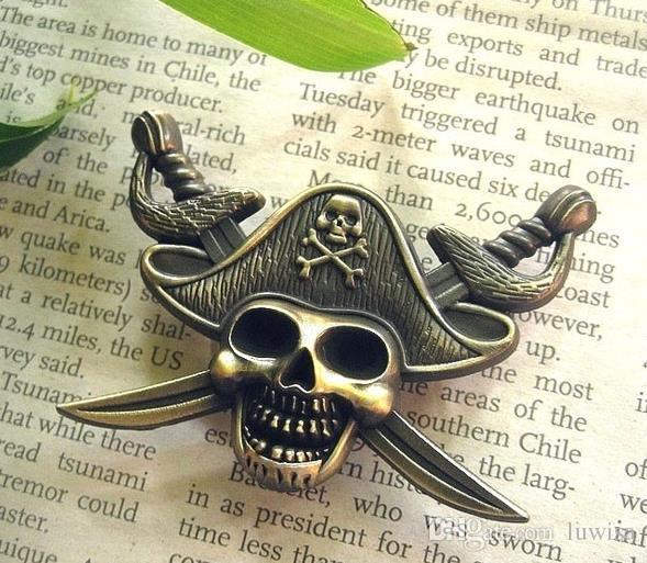 럭셔리 해적의 캐리브 배지 해골 브로치 모자 재킷 모자를위한 브로치 레트로 금속 칼라 핀 브로치