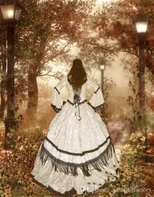 Vintage Fairy Bröllopsklänning Bollklänning Gotiska viktorianska Brudklänningar med Bell Sleeves Scoop Neck Lace-up Back Black Lace Appliques
