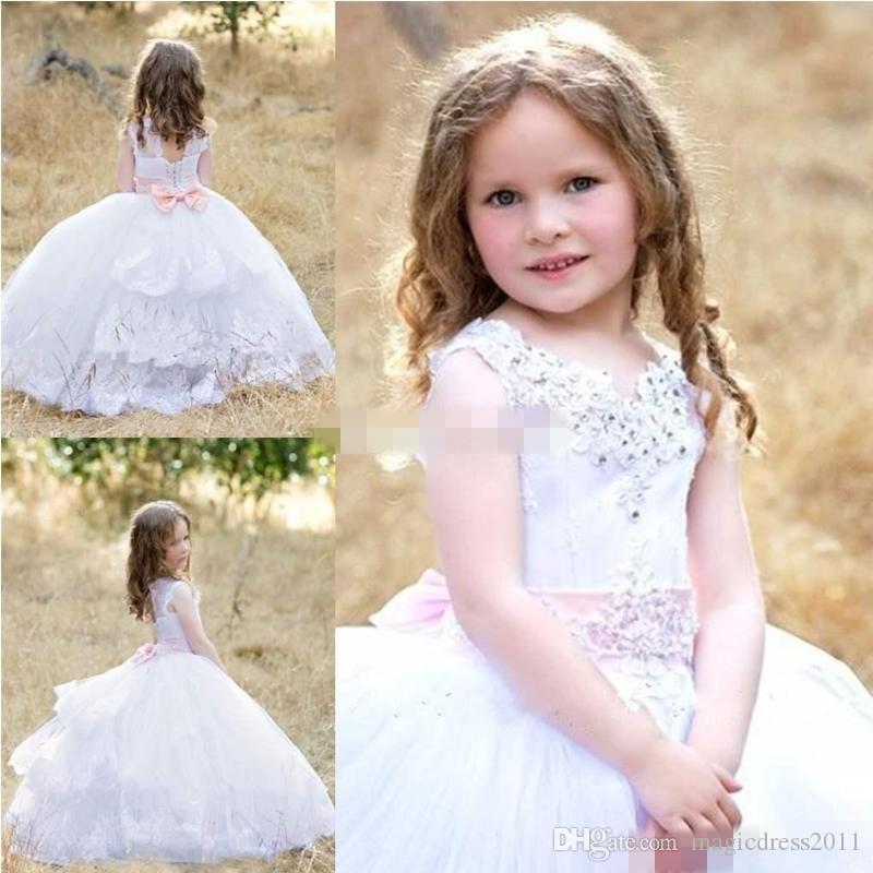 2019 Cute Princess Ball Gown Flower Girls' Dresses Lace Appliques V-neck Lace Appliques Corset Back Bow Ribbon Wedding Kids Communion Dress