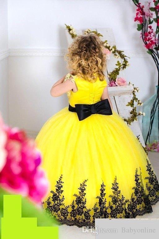 Barato Creme Cap Mangas Rendas Vestidos Da Menina de Flor de Tule Rendas Até Tule Vintage Meninas Vestidos de Aniversário Pageant
