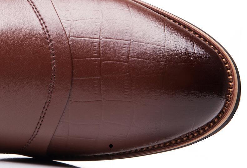 Tamaño grande 38-45 Nuevos hombres de la moda Zapatos de vestir de boda Zapatos negros Punta estrecha Negocio Negocio británico Zapatos con cordones para hombres