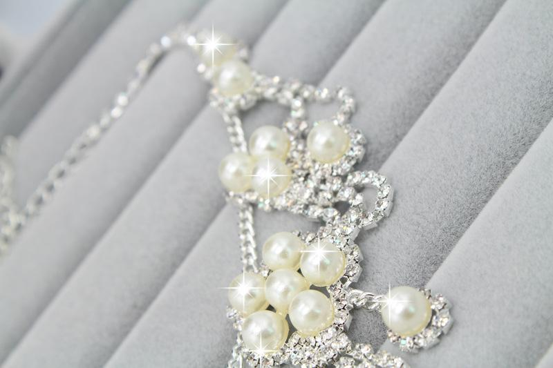 Romantic Pearl Flower Jewerly Crystal Pearl a buon mercato a buon mercato due pezzi orecchini collana strass matrimonio set da sposa set gioielli set