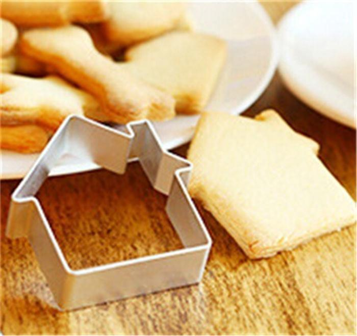 Wholesale- Warm Cabin House Shaped Metal Bread Fruit Cookie Cutters Sugar Craft Cake Decorating Baking Pastry Fondant Biscuit Mold