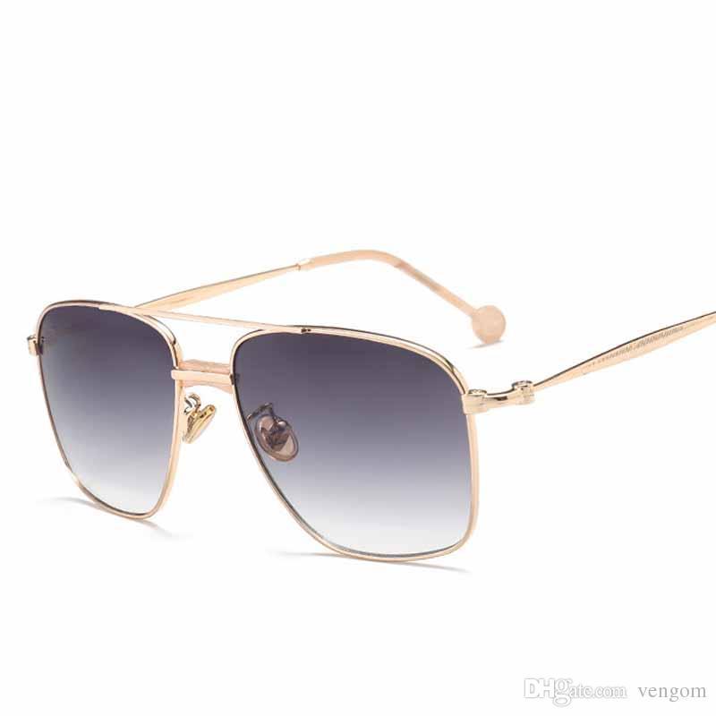 095a7cf11 Compre Nueva Moda Mujeres Gafas De Sol Clásico Diseñador De La Marca De Dos  Vigas Espejo De Revestimiento Pantalla Plana Lente Sombrillas De Verano  VE0100 A ...