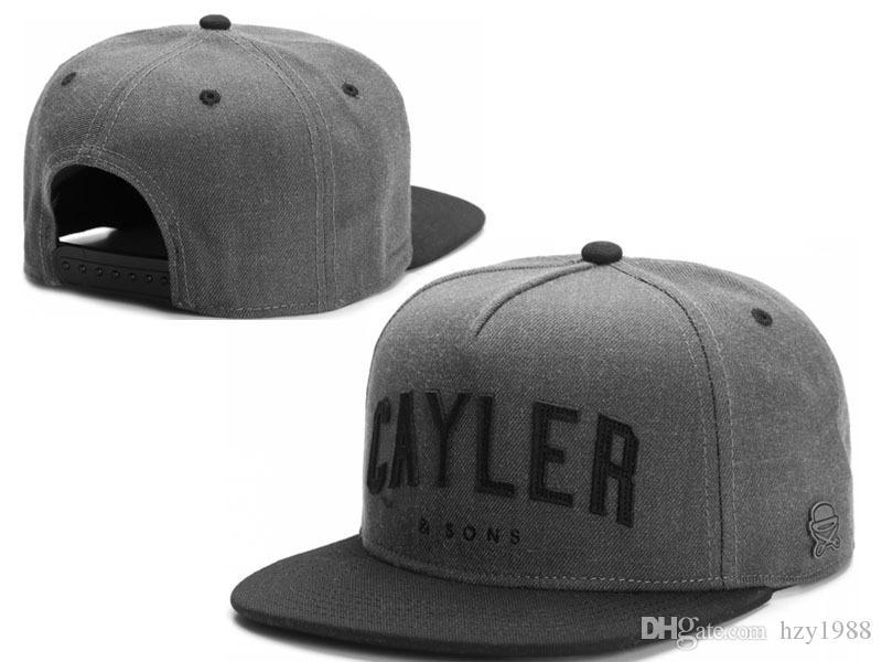 9e005e1b3162 CALIENTE ! New CAYLER SON Sombreros Snapback 2017 béisbol cap para hombres  negro mujeres Cayler Sons snapbacks Deportes Moda Gorras brand
