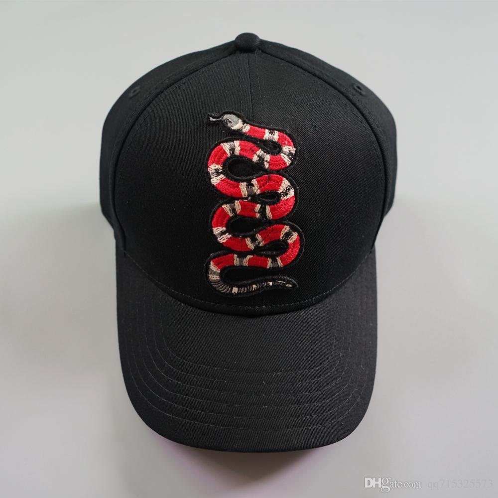 Compre Nueva Moda Colorida Serpiente Gorra De Béisbol Snapback Sombreros Y  Gorras Para Hombres   Mujeres Marca Deportes Hip Hop Plana Sun Hat Baratos  Para ... aa52b390ac4