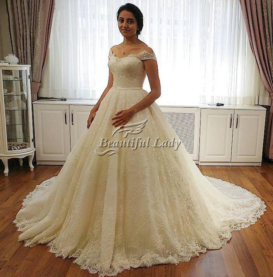 Elegant Soft Lace Wedding Dress 2017 New Arrival Boat Neck Cap