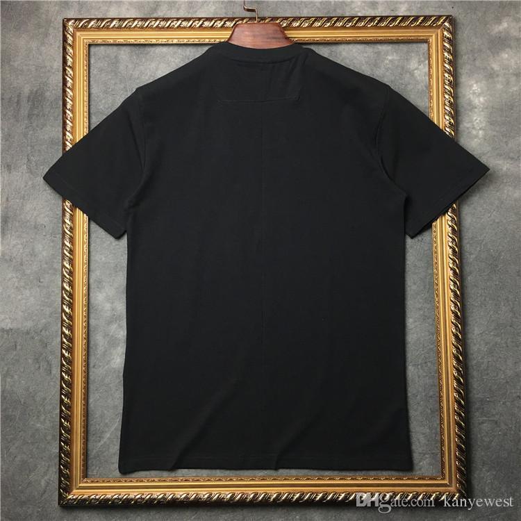 2017 yaz Lüks marka Erkek T-Shirt Erkekler Kısa Kollu Rahat tshirt Tee Tops Mens Tişörtleri boyama geyik baskı Mens Tasarımcı t shirt