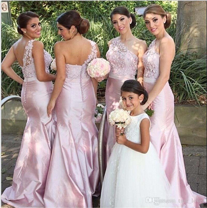 Cheap Arabic India Pink Long Bridesmaid Dresses Lace Taffeta Christmas Covered One Shoulder Buttons Mermaid Bridal Dress Party Gowns
