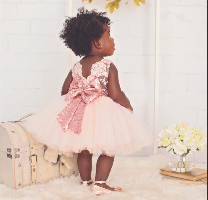 Kinder kleider 2017 neue hochzeit kleid spitze pailletten bogen zurück kinder kleidung kleid valentinstag tragen baby kleid rosa weiß hellgrün