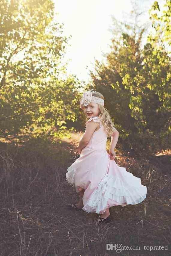Baby Pink Sweety 2020 la principessa dalle ragazze di fiore di spaghetti del vestito senza maniche Zipper Impero Lace Tiered Gonne pavimento-lunghezza Comunione compleanno Gown