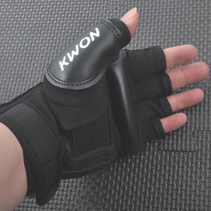 En gros la moitié des doigts enfants adultes sacs de sable Punch formation gants de boxe Sanda Karaté Muay Thai Taekwondo Protector livraison gratuite