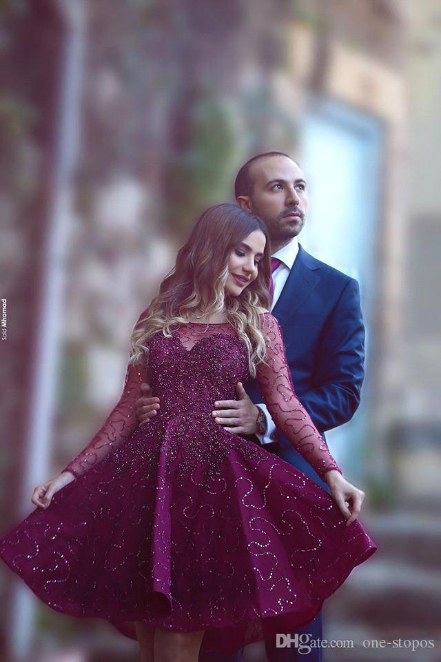 Arabo corto abiti da cocktail bordeaux ha detto Mhamad scintillante perline Sheer maniche lunghe Homecoming abiti da festa abito da ballo lunghezza del ginocchio BA1772