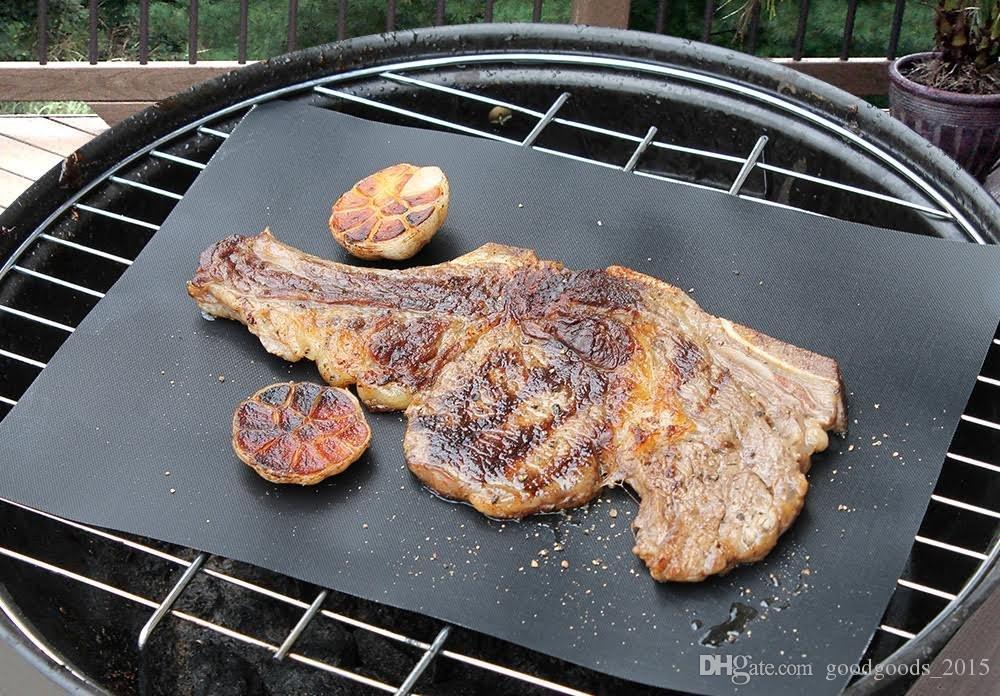 Antihaft-Grill-Grillmatte Dickes Durable 33 * 40CM 0.2MM Schwarz Set aus 2 Matten Perfekt für Holzkohle-, Elektro- und Gasgrill-Grillmatte
