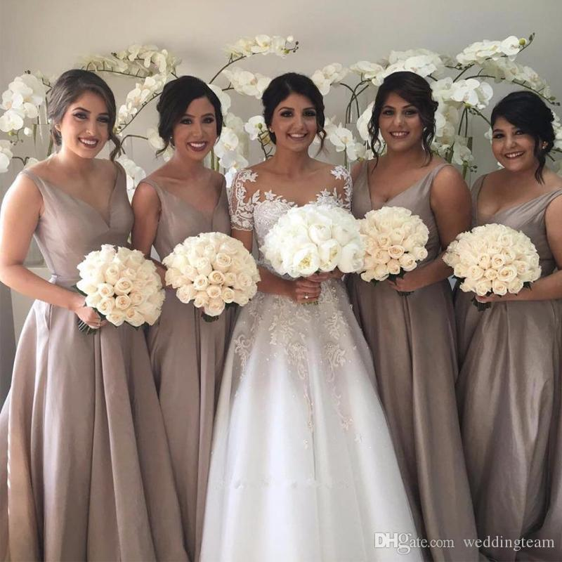 Simple Ball Gown Champagne Bridesmaid Dresses V Neck Sleeveless Sheer Back Taffeta Bridesmaid Party Gown Plus Size Long Prom Gown
