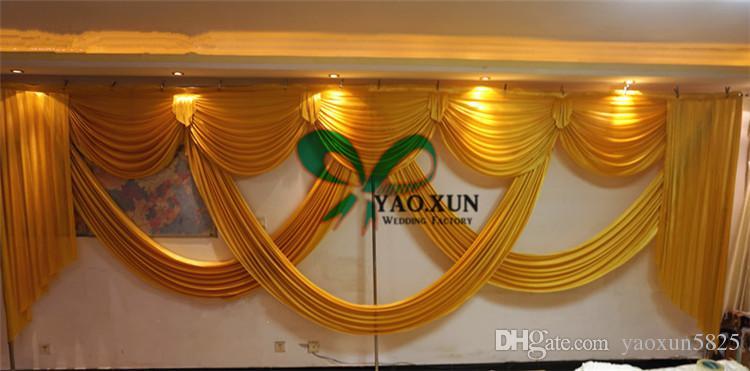 Os ganhos do ouro ou da cor roxa drapejam a cortina cabida para o contexto do casamento de 3m * de 6m