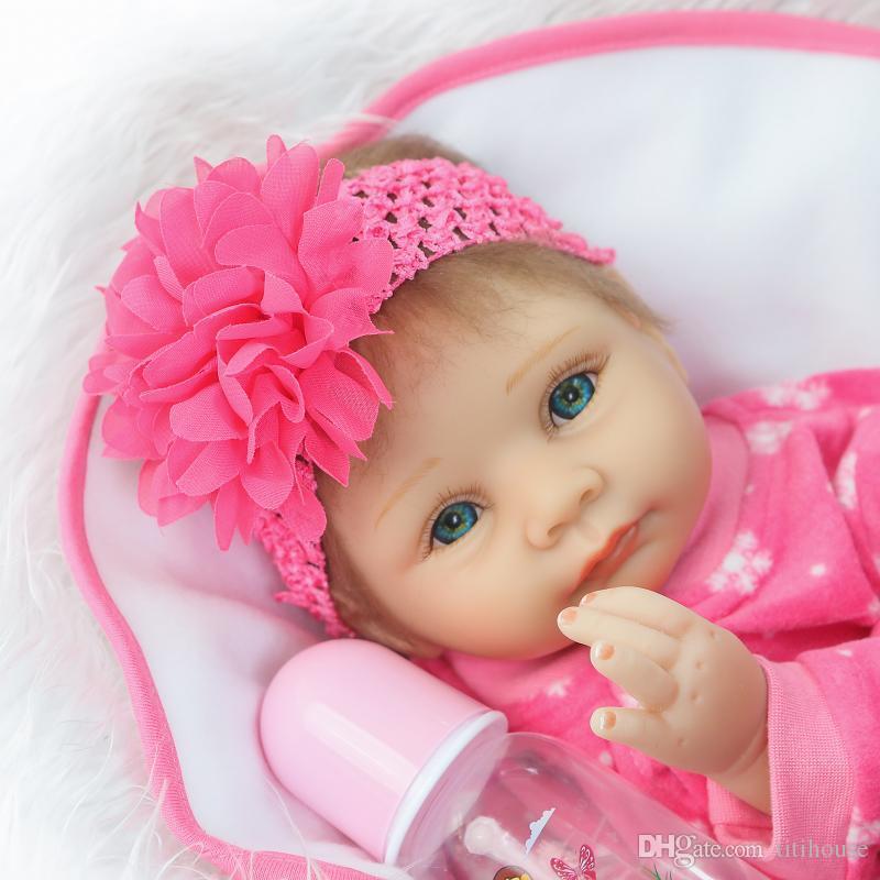 컬렉션 천 몸 22 인치 태어난 아기 인형 소녀 현실적인 신생아 아기 옷 공주 인형 아이들 생일 선물