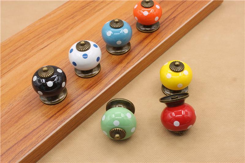Vintage Polka Dot Runde Keramik Schublade Knob Cabinet Schrank Tür ziehen Griff 3.8x3.8x3.4cm