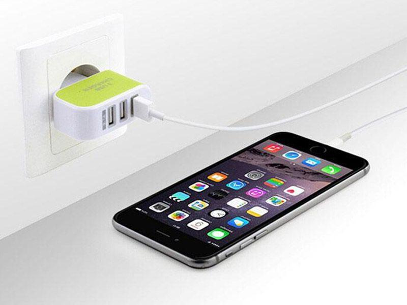 3 USB 벽 충전기 미국 EU 플러그 전화 충전기 어댑터 휴대 전화에 대 한 트리플 USB 포트와 범용 전원 어댑터 여행