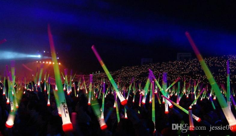 Vara do DIODO EMISSOR de luz LED varas Coloridas led piscando Espada de luz festa animador de discoteca fulgor wand show de Música de Futebol Cheer adereços prêmio presente