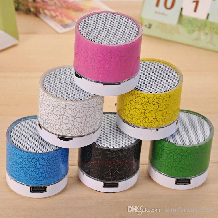Mini haut-parleur Bluetooth A9 portable de haute qualité avec lumière LED pouvant insérer un disque U, lecteur de téléphone portable avec boîtier de vente au détail