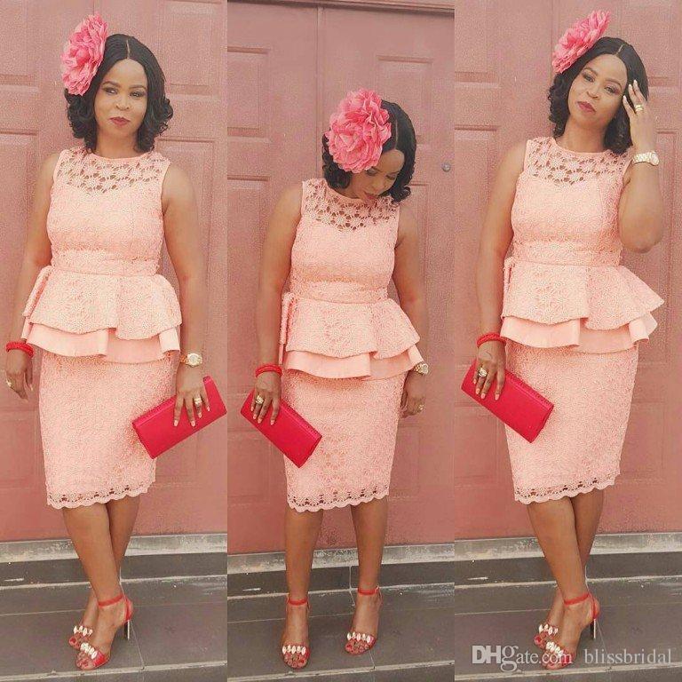 Элегантная мать невесты платья розовый кружевной жемчужина шеи без рукавов столбе без рукавов выпускное платье каскадные оборками колена длина матери платье