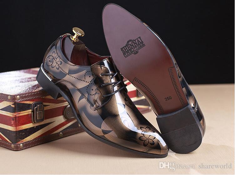 fd1079b108 Compre Moda Sapatos Masculinos Sapatos De Couro Genuíno Dos Homens  Italianos Sapatos De Vendas Designer De Casamento Esculpido Masculino  Sapatos Oxford ...