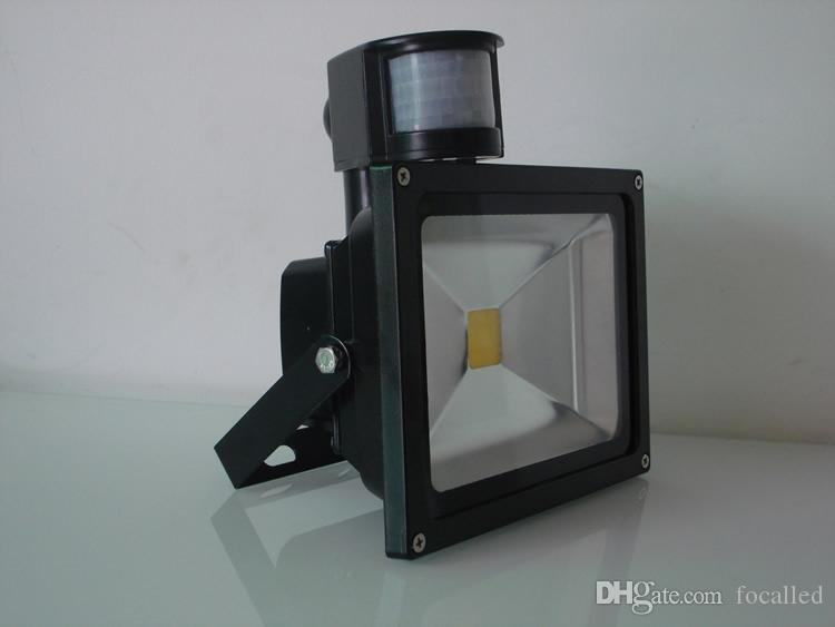 LED Outdoor Lighting Floodlights 10W 20W 30W 50W 5000lm PIR Motion Sensor Security LED Flood Light IP65 AC110-240V